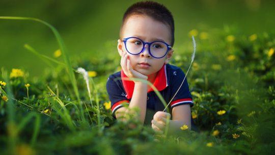 Lentilles de contact VS lunettes sur mesure