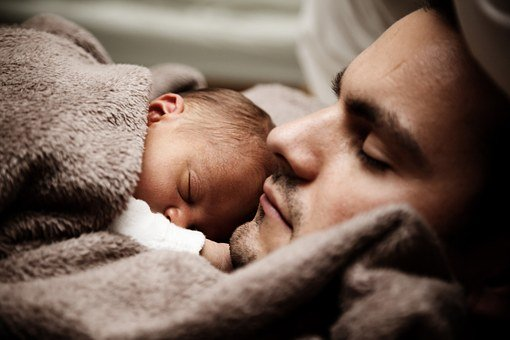 Les 10 raisons masser bebe pour dormir